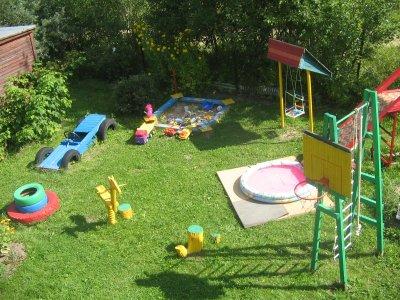 Детская площадка на дачном участке